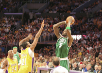 lakers gano a boston