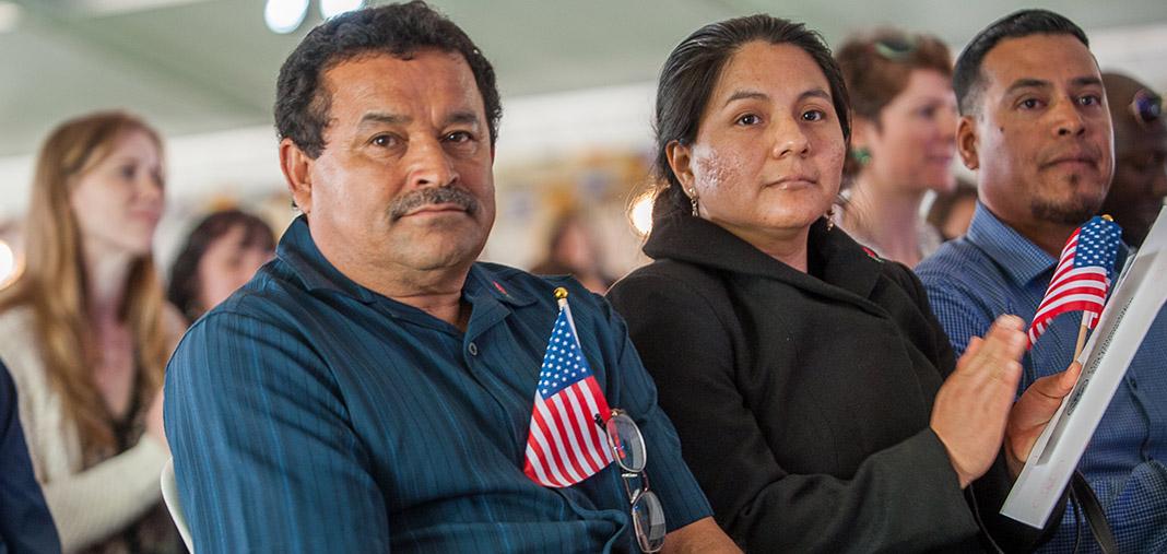 Lo que debe saber sobre obtener la residencia legal o la ciudadanía